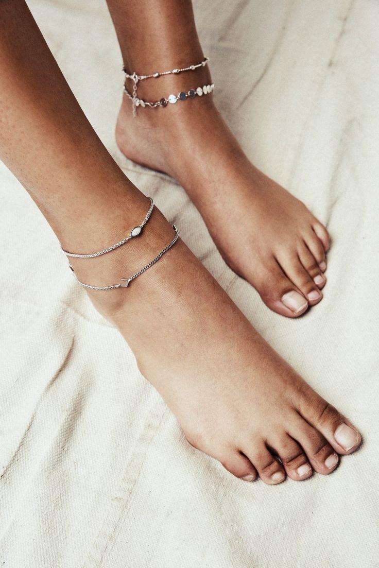 STYLE | Anklet with Ethiopian Opal FINISH | 14kt gold overlay, Rhodium SIZING…