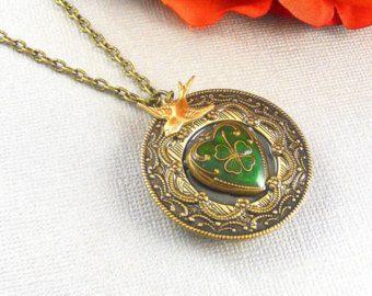 Corazón Guardapelo irlandés, oro antiguo, oro Locket irlandés, medallón, tres clavos, novias madrinas, bodas, regalo de amor