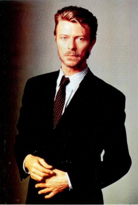 253 best david bowie images on pinterest david bowie starman david bowie ziggy and david jones. Black Bedroom Furniture Sets. Home Design Ideas