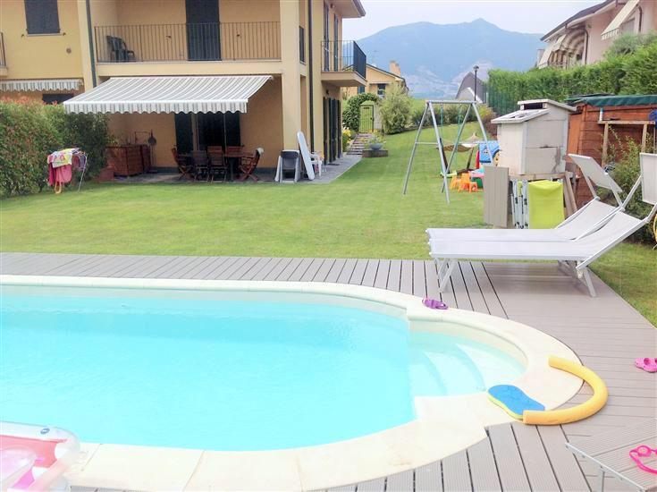 #Molteno (LC) - 3 locali con taverna. Giardino e splendida piscina.