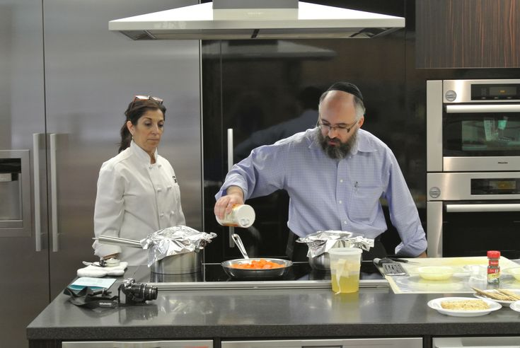 Get ready for Rosh Hashanah on September 4th. Fabulous traditional recipes from Rabbi Goldenberg with Mrs. G's Appliance Chef Mary Beth