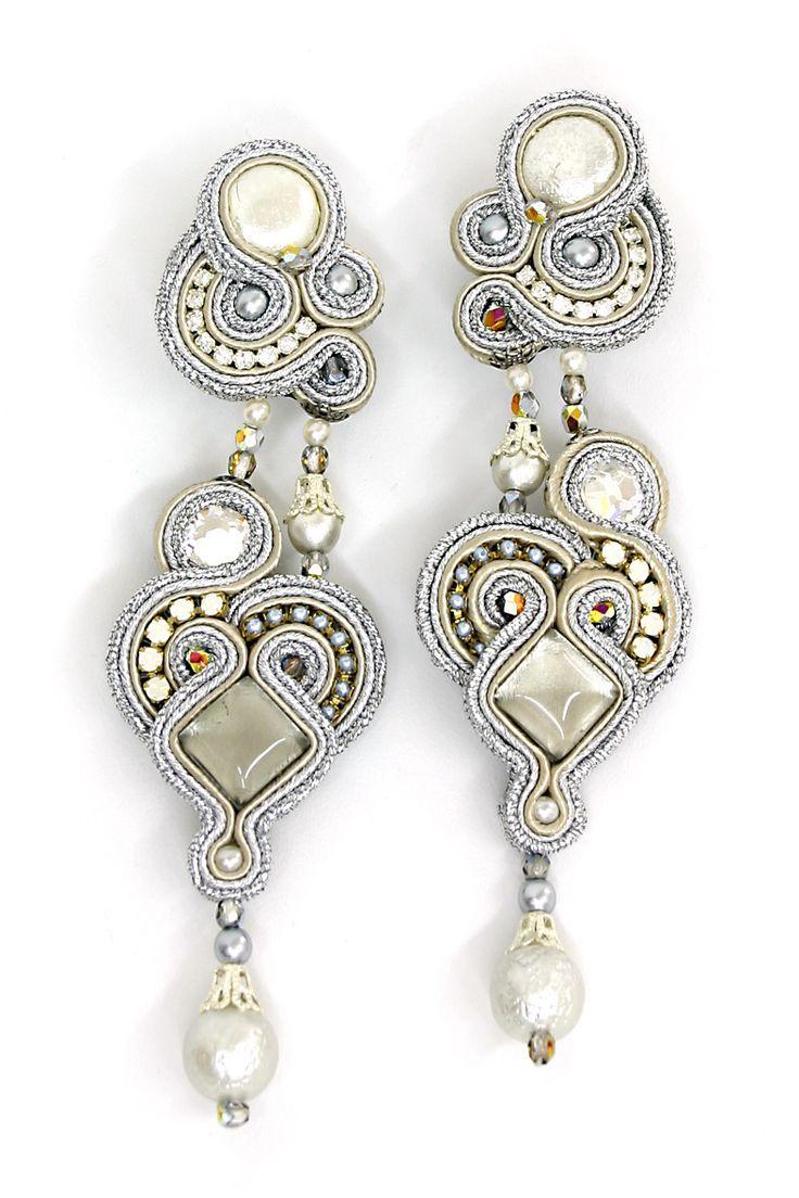 earrings : Gothika