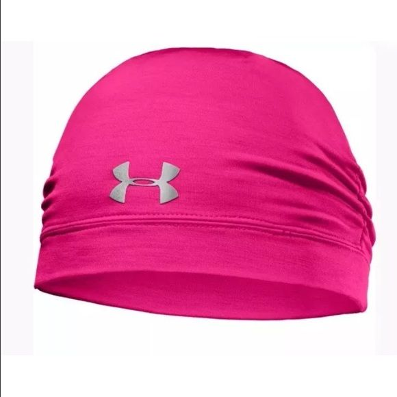 Under Armour Coldgear Infrared  Hat/Beanie Combine long-lasting warmth and serious style when you sport the Under Armour® Women's Twist Tech Beanie. It's warm and comfortable design is great for all sports. ColdGear® Infrared technology offers a heat-trap