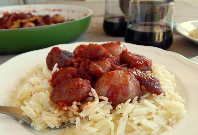 Κάστανα στιφάδο http://www.pepiskitchen.blogspot.gr/2013/11/kastana-stifado.html