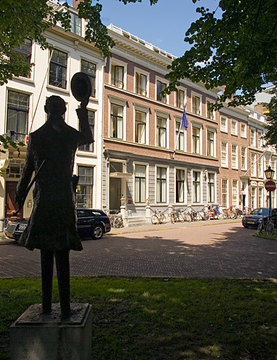 The Lange Voorhout building, where the Leiden University College The Hague students have classes.