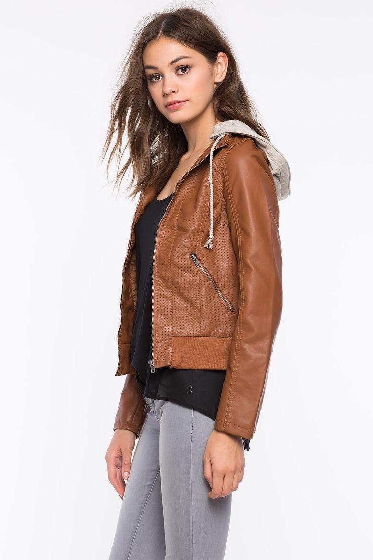 Куртка из искусственной кожи Размеры: S, M, L Цвет: черный, коричневый Цена: 1693 руб.  #одежда #женщинам #куртки #коопт