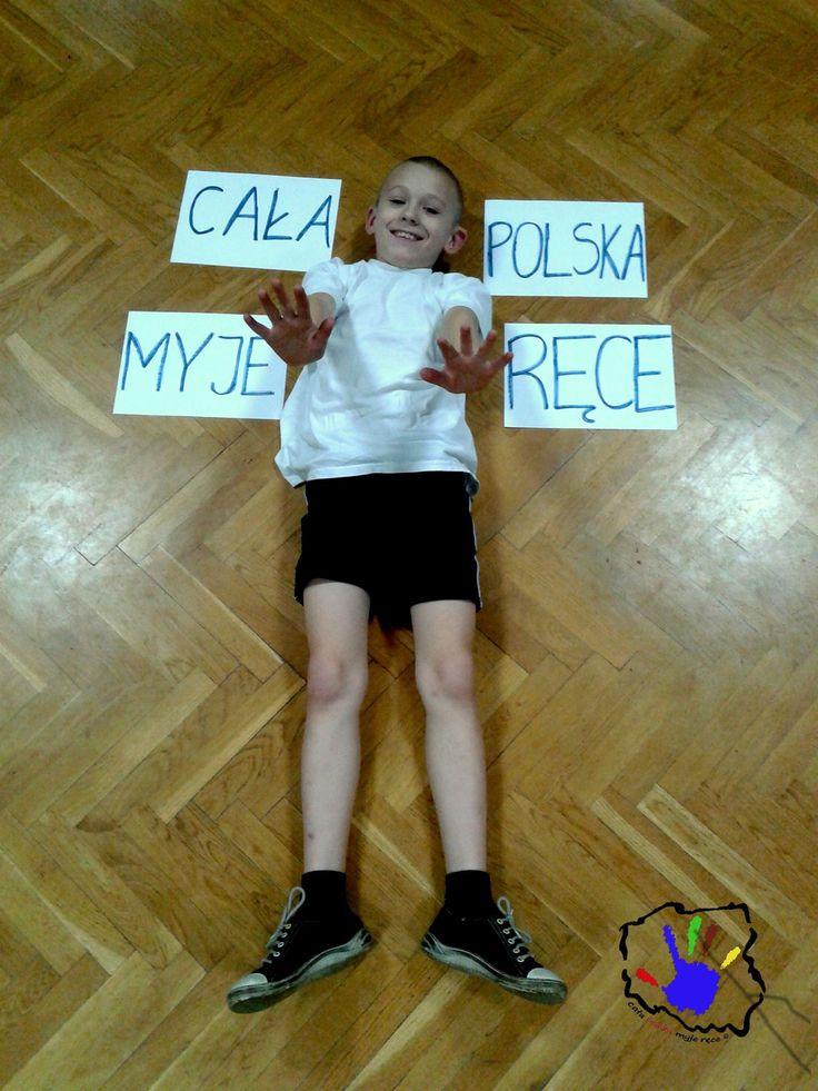 """A oto Szymon Kosmowski, uczeń jednej ze szkół, w której poprowadziliśmy zajęcia w ramach naszej kampanii """"Cała Polska Myje Ręce""""."""