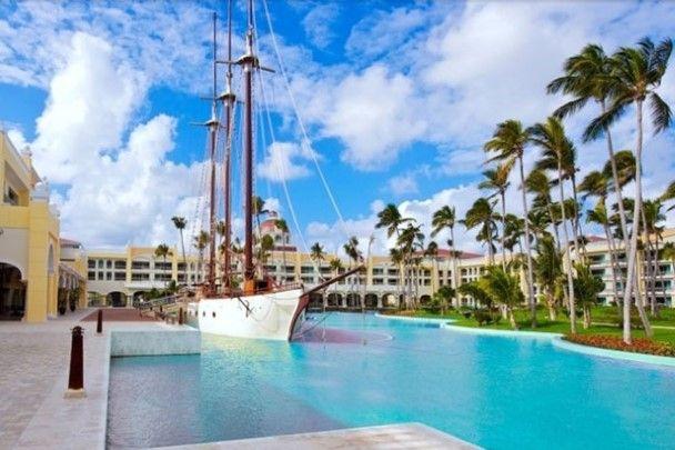 Het luxueuze Iberostar Grand Bavaro Hotel in Punta Cana (Dominicaanse Republiek) behaalt een zevende plaats in de top tien.
