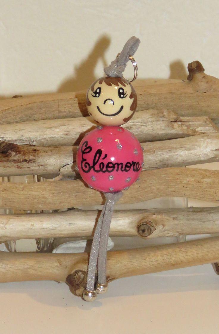 """Porte clé en perles de bois ou bijou de sac """"billes de sourires"""" figurine entierement peinte à la main et personnalisable avec prénom : Porte clés par pimprenelle-coccinelle-creations"""