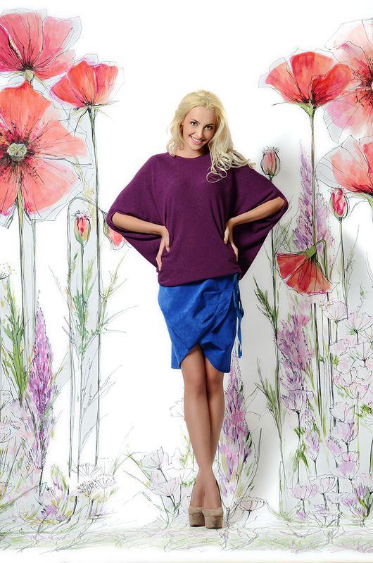 Замшевая юбка сапфирового цвета. Интересная драпировка делает ее очень необычной и стильной! 10000₽ #юбка #синяяюбка #юбкакороткая #купитьюбку #юбканавесну #юбкастильная #российскиедизайнеры #мода2015