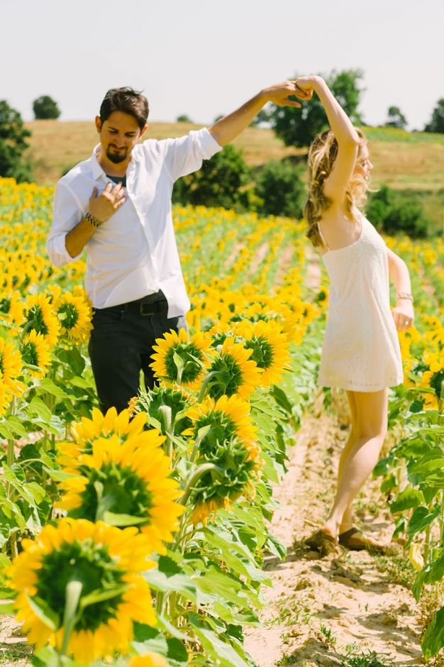 Love + Sunflowers || Istanbul engagement session