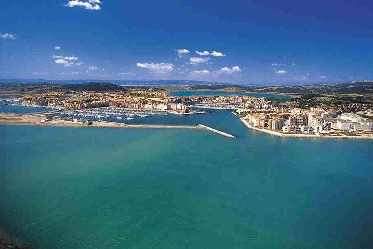 Le port de Gruissan... Découvrez cette ville grâce à notre résidence Goelia