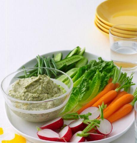Feta sajtos, diós, zöldfűszeres mártogatós (dip)