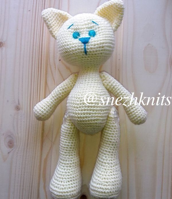 Игрушка котенок крючком - сборка