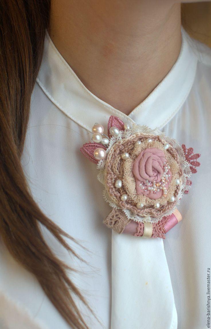 """Купить Брошка с жемчугом """"Валерия"""" - бледно-розовый, романтичная брошь, розовая брошь, брошь с жемчугом"""