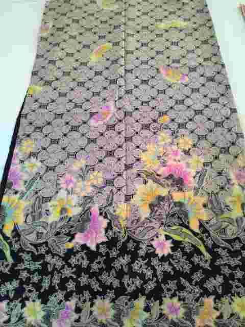 Batik unik dari bahan katun. Pulaubatik jual aneka motif kain batik solo yang moderen dan murah