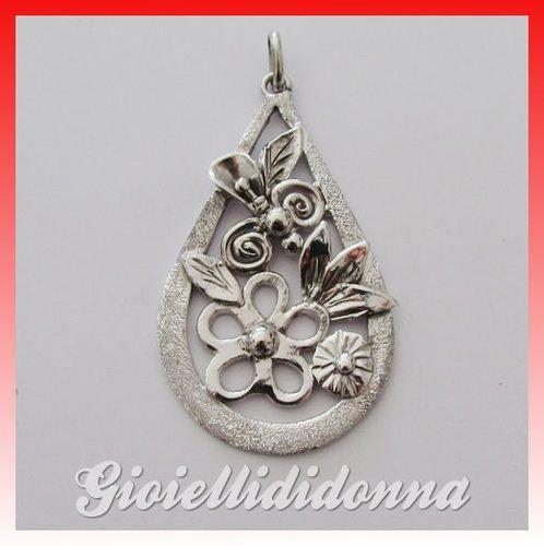 Ciondolo floreale realizzato in microfusione in Argento 925
