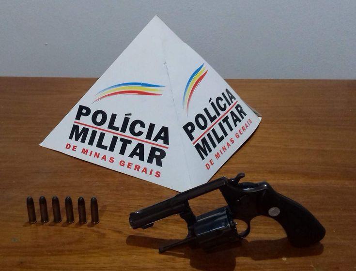 PM de Abre Campo prende autor com arma escondida no carro
