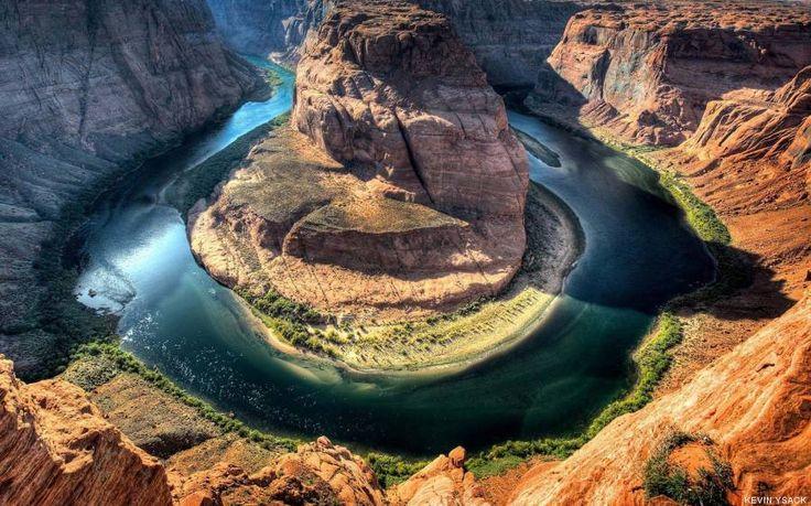 Curva de la Herradura, Arizona  La Curva de la Herradura cobra su nombre por la forma que dibuja el río Colorado en este tramo del Gran Cañón. Es uno de los mayores atractivos turísticos de Arizona, y sin duda una de sus fotos más famosas.