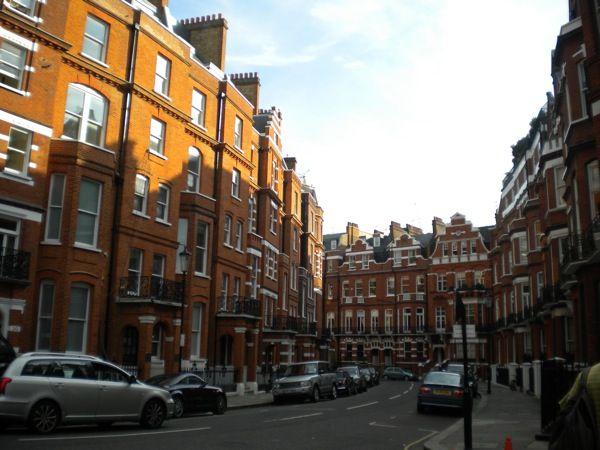 Notting Hill Portobello Rd: London Street, Favorite Places, London Calling, Beautiful Places, Hill Portobello, Portobello Road Notting, Pastel Rowhouses, Road Notting Hill