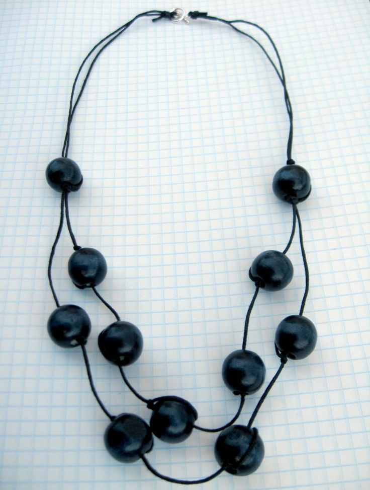 wooden bead necklace by angela osborn - tuto -