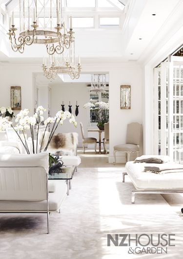 A White London Mansion - NZ House & Garden