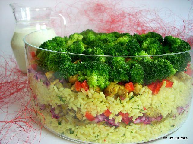 Smaczna Pyza: Sałatka ryżowa z kurczakiem i warzywami