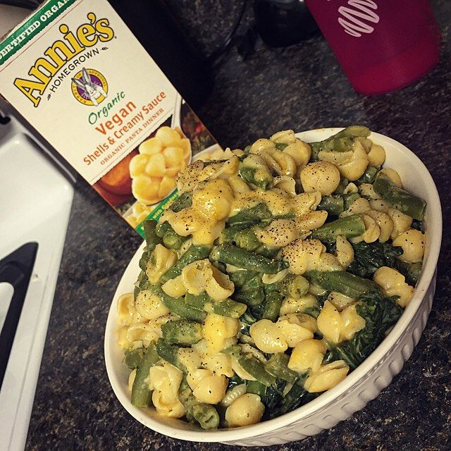 Post leg day Mac n 'cheese'   I added a ton of kale and a package of frozen green beans to the pot while the noodles were cooking to up the nutrients and volume, also added some tahini when it was done to make it creamier.