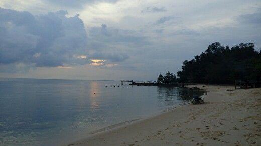 Pantai Mirota di Kepulauan Riau Lokasi pantai ini berada di pulau Galang, tepatnya berada di Desa Cijantung, Kecamatan Galang, Batam Kepulauan Riau