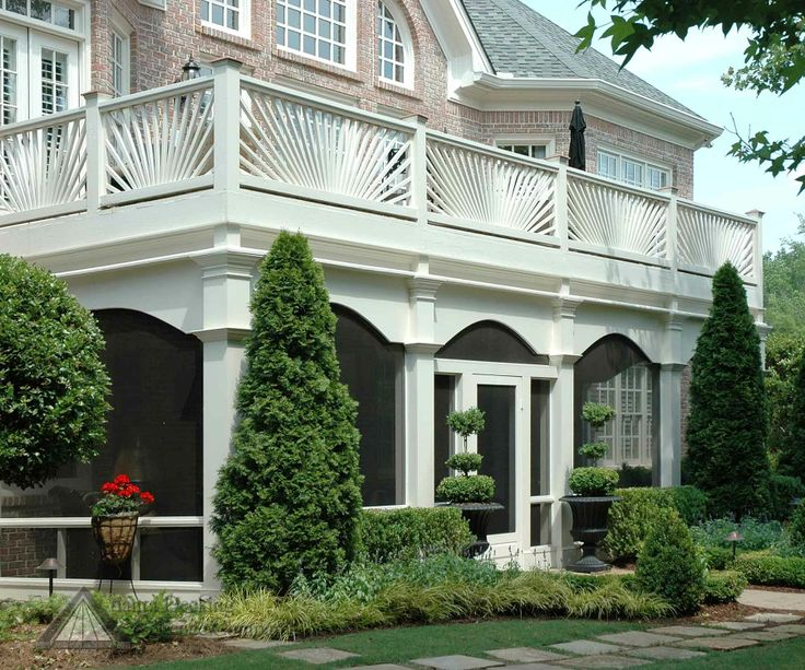 deck design with screen porch below | Pictures of screen porch from Atlanta Decking and Fence Company.