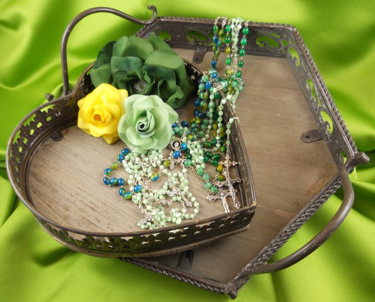 E&L by LUNDQVIST Tray at bottom 179,- / Heart tray 89,- / Wild rose 149,- / Mini rose 49,- / Mixes Rosary chains from 175,- to 199,- All prices are in DKK http://shop.e-and-l.com/