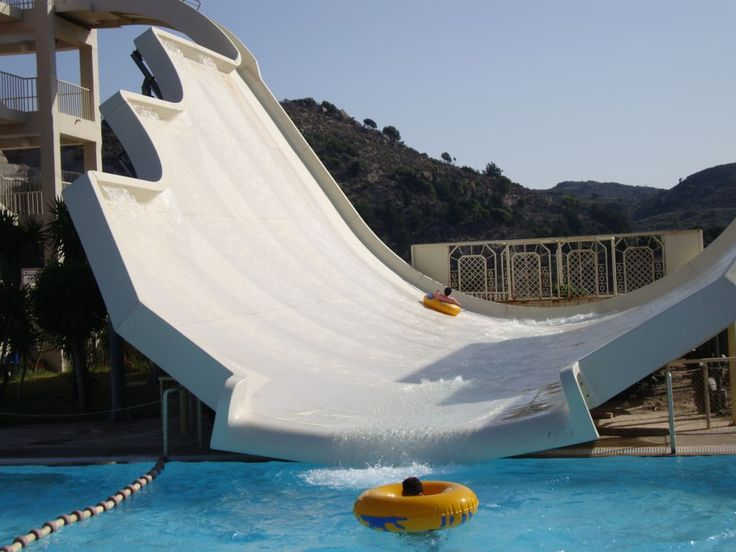 "Bild ""Half pipe slide"" zu Waterpark Faliraki in Faliraki"