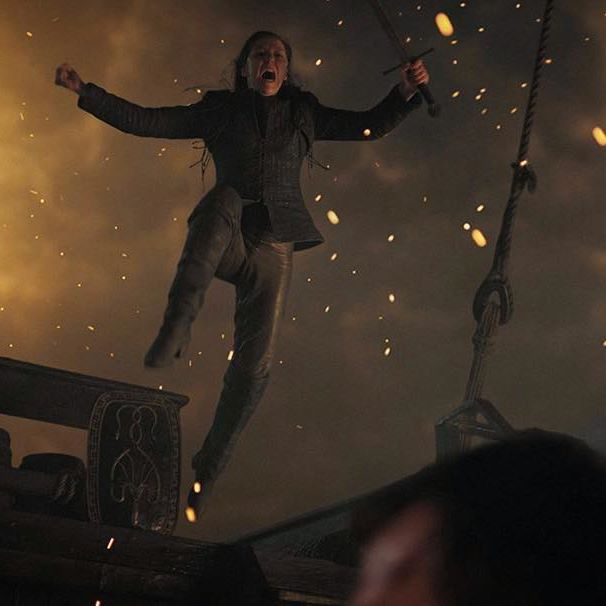 Yara Greyjoy put up a great fight in battle with her uncle, Euron Greyjoy. #gameofthrones #hbo #got7 #got #followme #quotes #lannister #targaryen #love #fanpage #fanart #yaragreyjoy #eurongreyjoy #seabattle