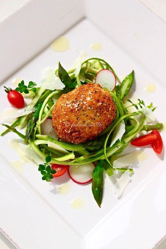 FeelCook cucina per passione: Insalata di asparagi con uovo impanato e fritto