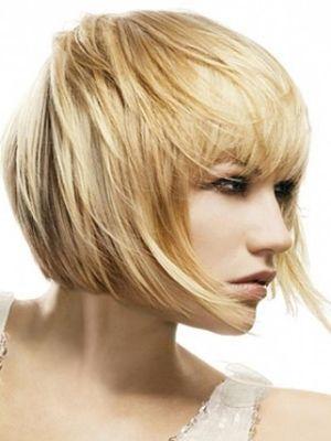 Если волосы достаточно тонкие, они требуют особого подхода, особенно при  выборе стрижки. Необходимо создать визуальный объем, при этом не вредя  волосам и внешнему виду. Современные стрижки на тонкие волосы помогут  оставаться в рамках моды, при этом сохраняя красоту.