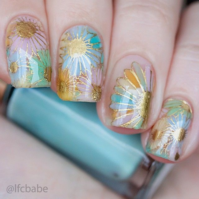 Nail DIY idea. By lfcbabe 3 weeks ago My #WNAC2015 @wnac_tkc pastel floral. Reverse stamping, negative space, the lot. I used a plate from #Vividlacquer, but I can't remember the number %) . Пастельные... Цветы %) стемпинг золотом и раскраска желейными лаками, все прилеплено на голы�