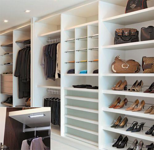 Monte um closet bonito e barato na sua casa: Veja 57 fotos de modelos de closets pequenos e baratos para inspirar. Clique aqui e veja!