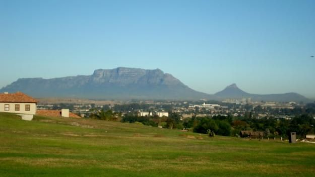 Table Mountain views from Hazendal suburb - Kuils River - Cape Town Northern Suburbs