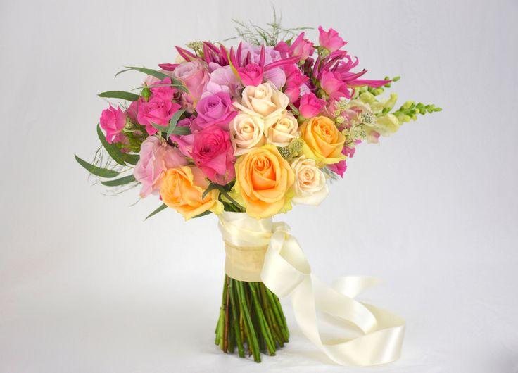Autumn wedding bouquet by Natys Floral Design & Services