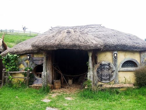 83 Best Hobbit Houses Hobbiton Movie Set Images On