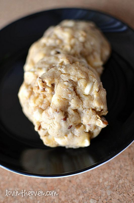 White Chocolate Chip Oatmeal Cookies | Recipe