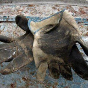 Lavoro Napoli - Aversa operai precipitano da un ponteggio: un morto e un ferito grave  Grave incidente sul lavoro questa mattina ad Aversa (Caserta) dove un operaio è morto cadendo da un ponteggio in via Giotto. Anche un secondo lavoratore che...  #Curriculum #campanialavoro #lavorosud #lavoronapoli #offertedilavoro #napoli #napolilavoro