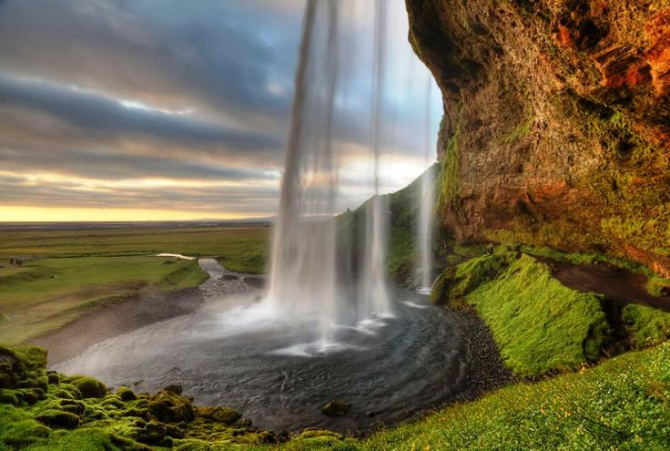 Standing at over 200 feet tall (60 meters), Seljalandsfoss is one of Icelands most famous waterfalls due to its natural, picturesque beauty.