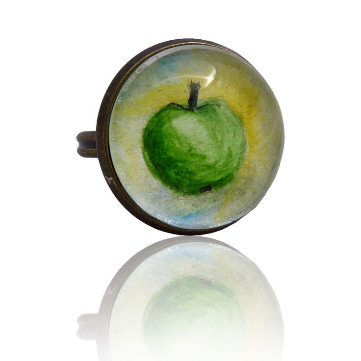 Apple – ring painted with a hand