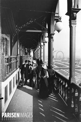 Paris. Exposition Universelle de 1900. La Grande Roue vue de la Tour Eiffel.