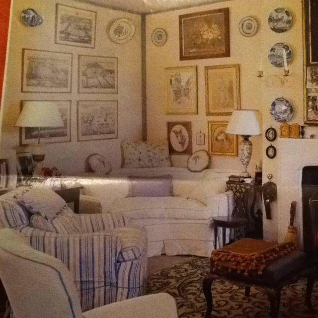 The Sitting Room Of The Coach House At Haseley, A Far Cry From Ditchley Her Part 79