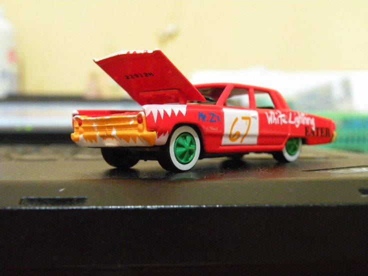 mashengky: write anything with my diecast car for $5, on fiverr.com
