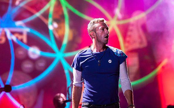 Der Sänger von Coldplay scheint nicht gerade gut im Verkuppeln zu sein - wie sich bei einem Konzert am Wochenende in Melbourne zeigte.  Die Grat zwischen peinlichem Unbehagen und unvergesslicher Romantik kann bei einem öffentlichen Heiratsantrag sehr schmal sein. Bei einem Kniefall während eines Coldplay-Konzerts war gleich beides der Fall.