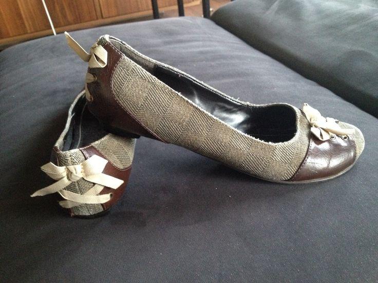 #20er Jahre Schuhe! #Vintage  zu finden auf:  https://www.kleiderkreisel.de/damenschuhe/ballerinas/125434140-vintage-ballerinas-pin-up-style-ballerinas-20er-jahre-geschnurte-ballerinas-schleifen