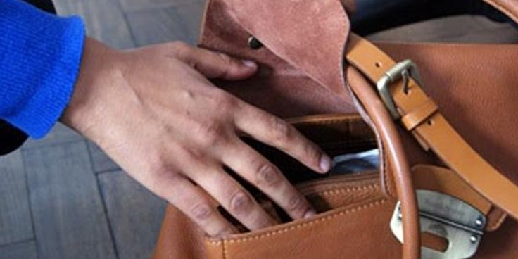 #TravelSafetyTips to Avoid Theft & Pickpockets.. A must read for everyone... #Safety #TravelSafety